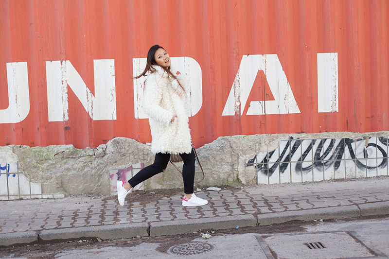 Alexander_Wang_Adidas_Stan_Smith_Pink_Edited_Fluffy_Coat_River_island_High_Waist_Jeans_Destroyed_B10-001