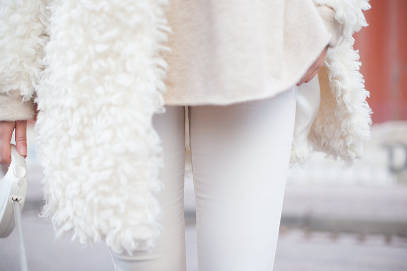 Louis_Vuitton_Noe_Fluffy_Edited_Coat_Topshop_White_Destroyed_Moto_Jeans_Snakeprint_Slip_On_B6-001